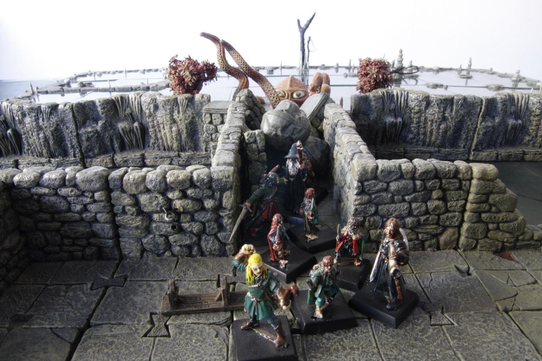 Tom: Table des mines de la Moria avec des décors en 3D 101-LOTR11